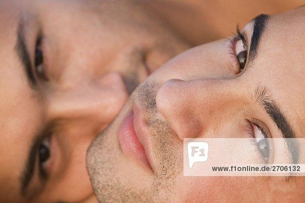 Nahaufnahme eine Homosexuell Paar miteinander schliefen