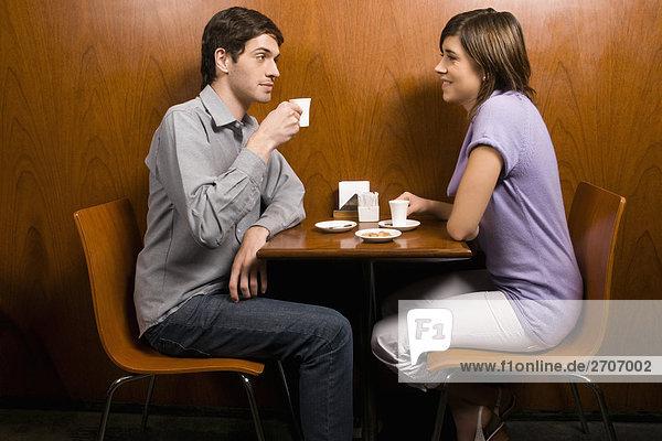 Profil Profile Cafe jung Kaffee Seitenansicht