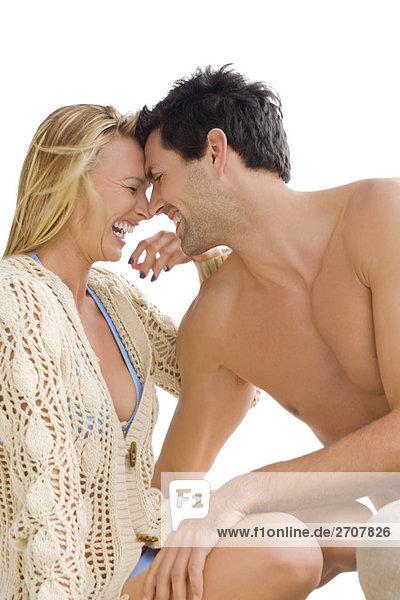 Nahaufnahme eine mid-adult paar romancing