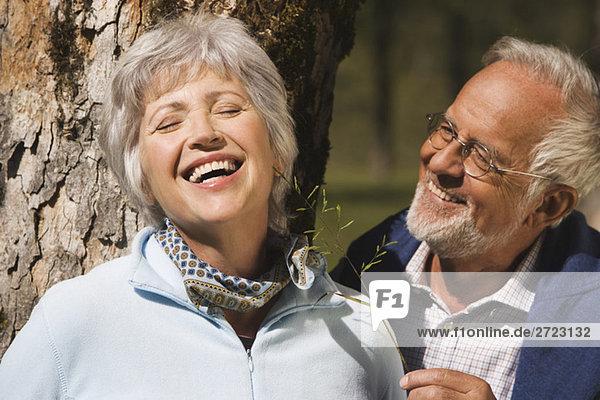Österreich  Karwendel  Seniorenpaar lächelnd  Portrait