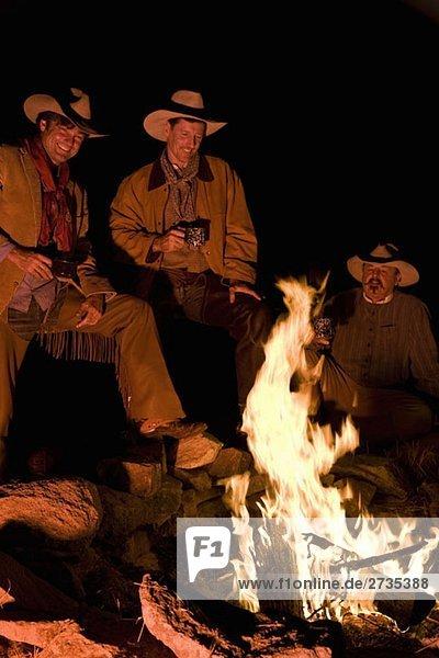 Drei Cowboys am Lagerfeuer Drei Cowboys am Lagerfeuer