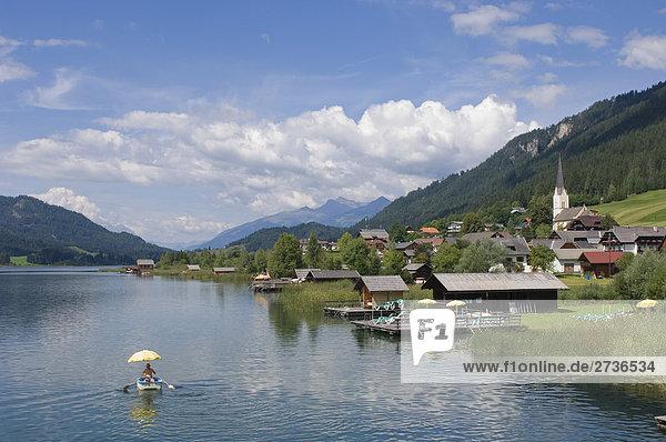 Buildings on waterfront  Weissensee  Techendorf  Carinthia  Austria