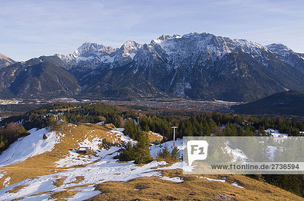 Bäume auf Schnee bedeckt Landschaft  Karwendel  Wettersteingebirge  Deutschland