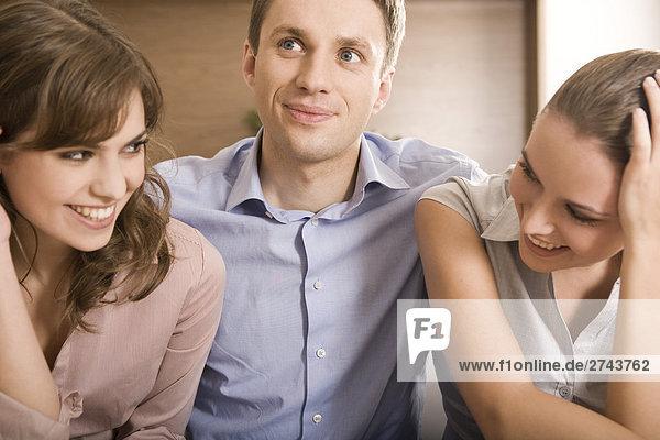 Interior zu Hause Freundschaft Besuch Treffen trifft