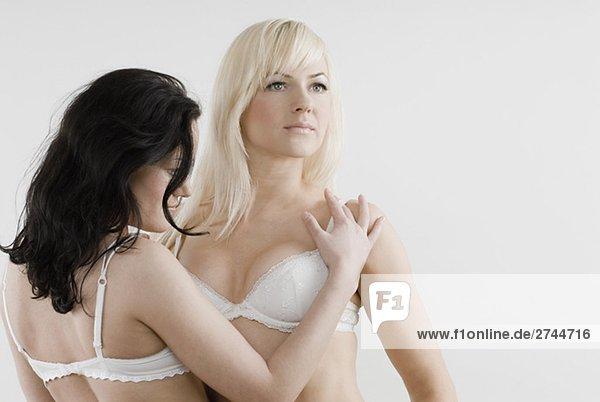 Weibliche Homosexuelles Paar romancing