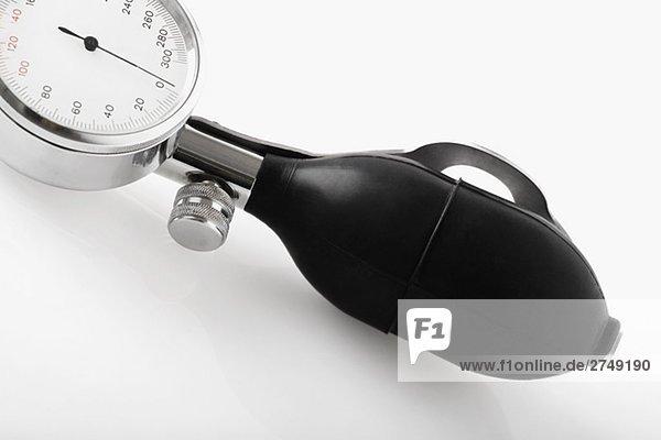 Nahaufnahme eines Messgeräts Blutdruck