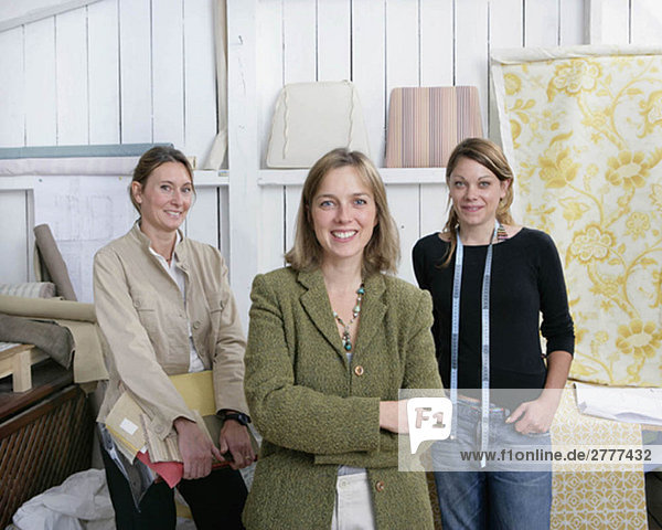 3 women small business team