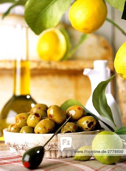 Grüne Oliven (Olea europaea)