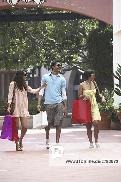 Freunde einkaufen