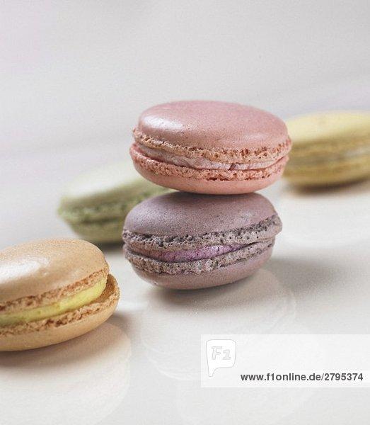 Bunte Macarons (französisches Kleingebäck)
