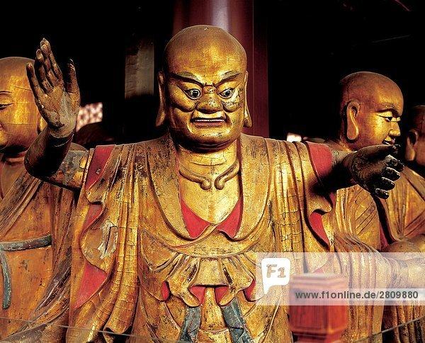 China  Peking  Statuen von Arhats in Biyun Tempel