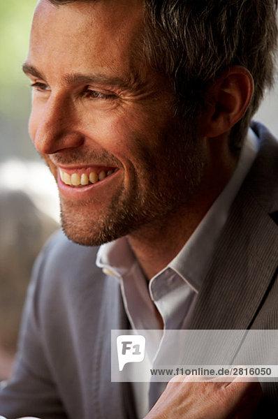 Ein lächelnd mann Kopenhagen Dänemark.