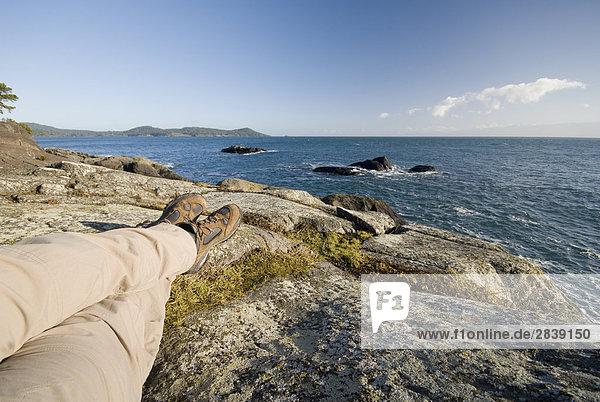 nahe Felsbrocken Entspannung wandern British Columbia Kanada Vancouver Island