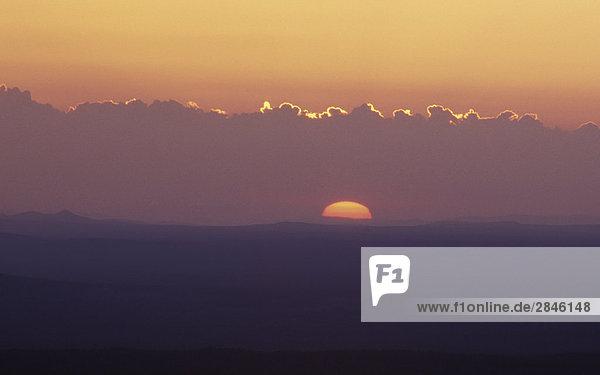 Sonnenaufgang über Itcha Berge  Chilcotin Region  British Columbia  Kanada.