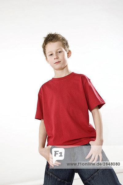 Portrait eines jungen posieren
