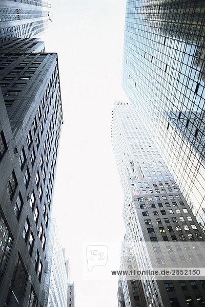 Hochhäuser  niedriger Blickwinkel Hochhäuser, niedriger Blickwinkel
