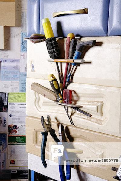 Stillleben mit Tools in Werkstatt Stillleben mit Tools in Werkstatt