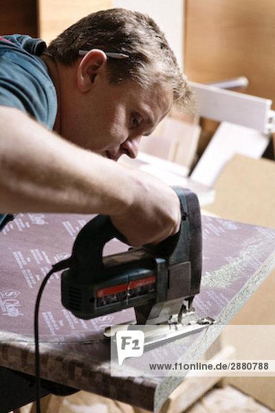 schneiden Holz Handwerker Stichsäge