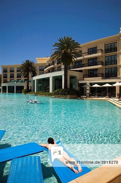Australia - Queensland - Gold Coast - Surfer´s Paradise: Poolside at the Palazzo Versace Resort