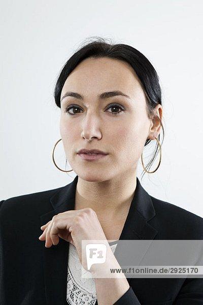 Eine seriöse Geschäftsfrau  Porträt