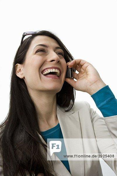 Eine Frau auf dem Handy  Porträt