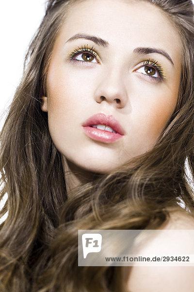 junge Frau mit Beige Make-up