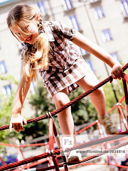Mädchen klettern Mädchen,klettern