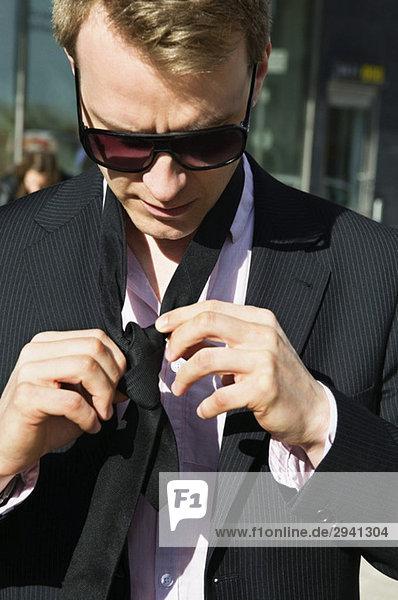 Ein Mann mit Krawatte