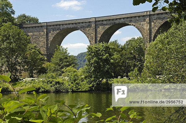 Eisenbahnbrücke,  Viadukt an der Ruhr,  erbaut 1877-1878,  Herdecke,  Dortmund,  Ruhrgebiet,  NRW,  Nordrhein Westfalen,  Deutschland