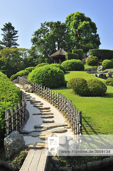 10856555  Japan  Koraku-En  japanischer Garten  Okaya