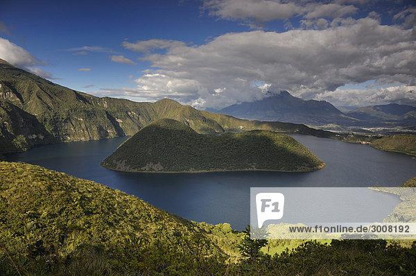 10856728  Ecuador  Cuicocha Kratersee  Vulkan C
