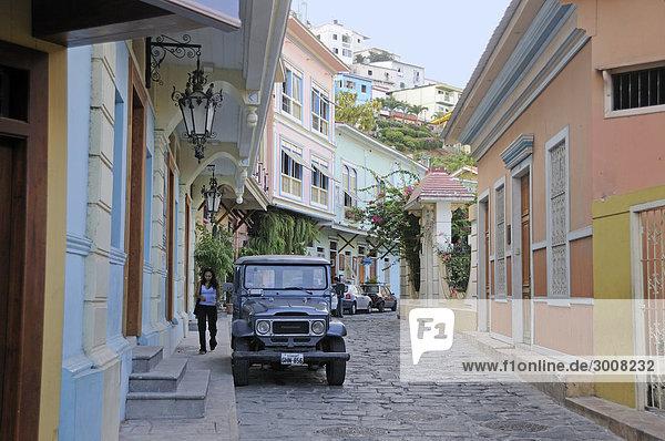 Auto Gebäude Straße Gasse Altstadt Ecuador Viertel Menge