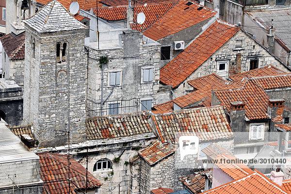 Über den Dächern von Splits Altstadt  Kroation  Vogelperspektive