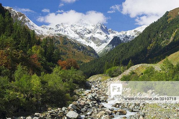 Alpine scenery in Stubai Valley  Tyrol  Austria