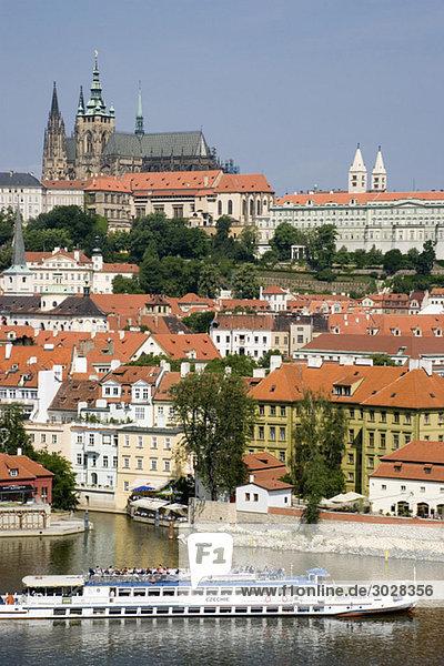 Tschechische Republik  Prag  Fluss Vitava  Vergnügungsboot