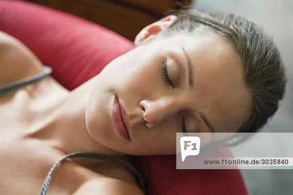 Nahaufnahme einer Frau beim Schlafen