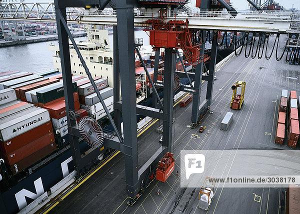 Containerhafen Containerhafen