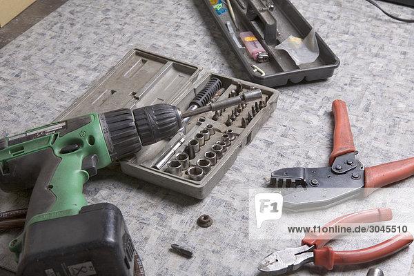 Stillleben mit verschiedenen Tools auf workshop Stillleben mit verschiedenen Tools auf workshop