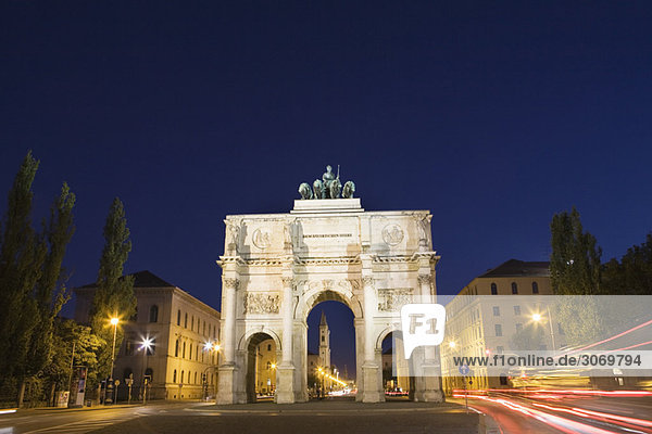 Victory Gate at night in Munich  Bavaria  Germany