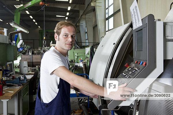 Porträt eines Fabrikarbeiters
