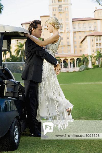verliebtes Paar in einen Golfplatz  Biltmore Golf Course  Biltmore Hotel  Coral Gables  Florida  USA