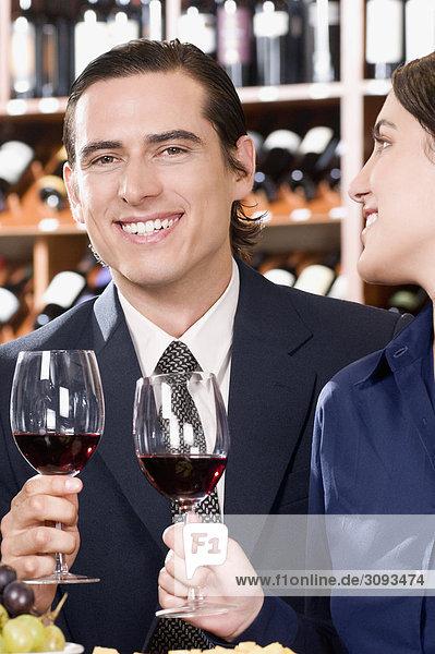 lächeln Wein halten Business