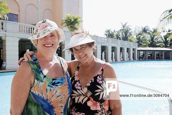 Vereinigte Staaten von Amerika USA Portrait Frau Beckenrand 2 Coral Gables Florida