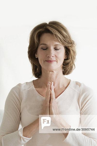 Frau 02 Position Gebet