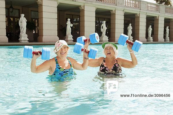 Vereinigte Staaten von Amerika USA Frau Schwimmbad Coral Gables Florida Spaß