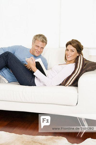 Buch Couch Taschenbuch vorlesen