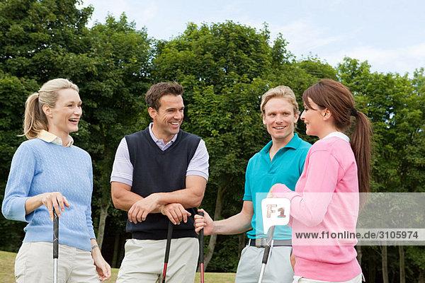 Vier Golffreunde