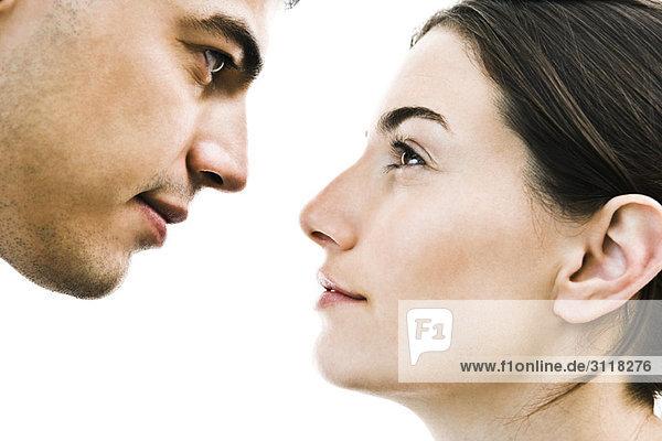 Paar von Angesicht zu Angesicht  Nahaufnahme