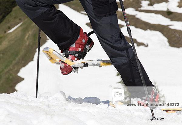 Schneeschuhe auf Bergtour  Detail