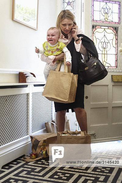 Frau mit einem Baby
